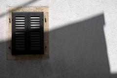 Croatie / Croatia (Joseff_K) Tags: shadow wall croatia ombre shutter mur croatie volet