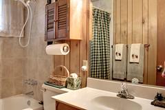 Lower Bathroom (J Tee) Tags: imperial 390