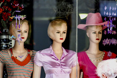 Mannequins in San Remo, Italy 28/3 2007. (photoola) Tags: italy mannequin samremo skyltdockor photoola