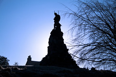 The Black Watch Monument - Aberfeldy (Bora Horza) Tags: bridge statue river soldier army scotland memorial rivertay military perthshire tay shaw cairn aberfeldy blackwatch regiment highlanders clans clansmen farquhar wadesbridge scottishclans blackwatchmonument farquharshaw