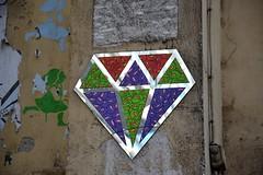Bastek feat Diamand (Ausmoz) Tags: street urban streetart paris art wall installation walls rue mur 75004 marais murs installations urbain bastek diamant diamants