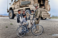 Roadside chat (The U.S. Army) Tags: afghanistan psd ghazni 2504pir