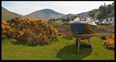 Windy Miller (zweiblumen) Tags: uk scotland boat alba isleofarran hdr lochranza polariser northayrshire windymiller eileanarainn canoneos50d zweiblumen lochraonasa