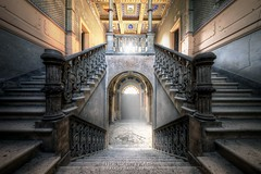 . (satanclause) Tags: italy castle staircase di castello hdr zmek duce urbex abbandonato itlie abandonet oputn