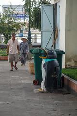 Saigon, Vietnam (silkylemur) Tags: street canon lens asia southeastasia vietnamese streetphotography vietnam fullframe saigon hochiminhcity canoneos zoomlens vitnam vitnam sign llens 24105mm canonef canonef24105mmf4l canonef24105mmf4lisusm  eflens canonef24105mmf4lisusmlens efmount hchminh sagon vietnamas strasenfotografie canoneos6d vijetnam