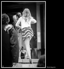 geometrie femminili (magicoda) Tags: street bridge venice friends sea people blackandwhite bw italy woman sun white black feet water backlight hair see donna nikon italia foto wind geometry candid panty skirt curioso tourist bn ponte persone thong voyeur barefoot wife upskirt fotografia vpl dslr sole venezia miniskirt nero sandal gonna piedi biancoenero controluce vento turisti seethru turista amiche geometrie veneto d300 2016 cannaregio vedere perizoma turists blackwhitephotos turiste streetphotografy magicoda davidemaggi maggidavide