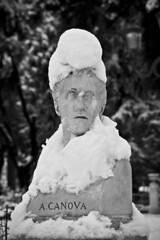 Bobby Canova (L'assenza è un assedio) Tags: bw italy snow rome roma statue canon italia bn 400 villa neve snowfall statua canova borghese villaborghese nevicata busto