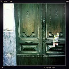Ischia (Fernando W) Tags: door old beach newspaper ischia urbanism iphone hipstamatic