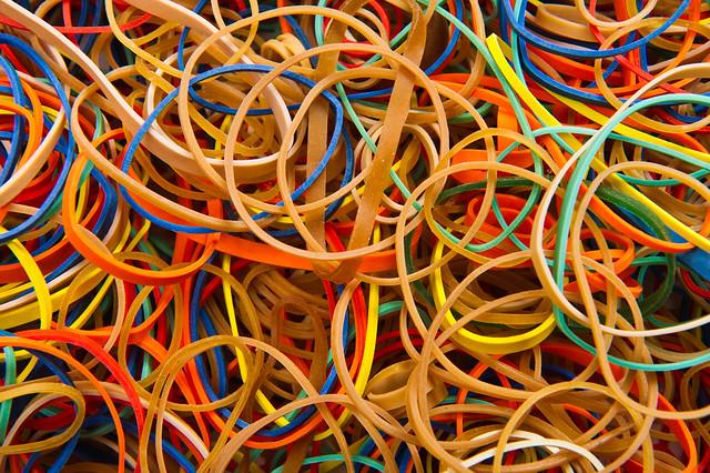 λάστιχο, rubber bands by Bill Ebbesen