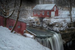 decew waterfall (Rex Montalban Photography) Tags: winter snow ontario waterfalls stcatharines hdr decew powerglen nikond7000 rexmontalbanphotography