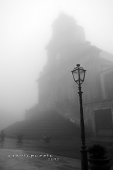 ...la nebbia (oraziopuccio) Tags: light fog nikon atmosphere chiesa nebbia atmosfera luce sansebastiano palazzoloacreide atmosphre nikonflickraward oraziopuccio d3100