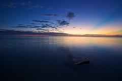 Less is more (Christoph Pfeilstücker) Tags: summer sky france color water colors night canon landscape frankreich creative vivid himmel été farbe nuit réunion reunionisland 5d2 xris74