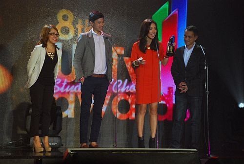 MYX Channel Head Andre Allan Alvarez, Channel Manager Mila Labendia and VJs Chino and Bianca