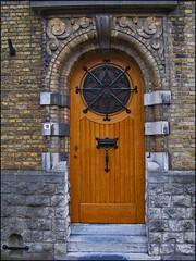 Wooden Door Ghent (Blackburn lad1) Tags: buildingdetail belgique belgium belgië door doorway enterance ironwork portal wood letterbox dwwg