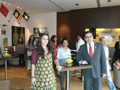 "Sizzling Hot Vidya Balan promoting ""Kahaani"" (Four Points by Sheraton Pune, Nagar Road) Tags: kahaani vidyabalan fourpointsbysheratonhotelandservicedapartmentspune"