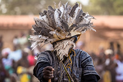 Festival des Masques de Dédougou, Burkina Faso (anthony pappone photography) Tags: africa travel art festival canon artist mask straw masks westafrica tribes afrika ethnic masque burkina burkinafaso afrique maschere tribu 非洲 etnico アフリカ festima dédougou 아프리카 الساحل whitemasks burkinabe africantribe африка feathermasks अफ्रीका ブルキナファソ بوركينا فاسو 布基納法索 サヘル 薩赫勒 сахель बुर्किनाफासो буркинафасо fibermasks skinsmasks masquespeaux masquesdepaille masquesdefibres