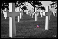 Omaha American Cemetry (4) (Phil 22) Tags: bw france color cemetery cross phil flag military nb american soldiers normandie guerre normandy plage dday calvados worldwar militaire usflag croix colleville cimetire amricain soldats jourj 3945 guerremondiale