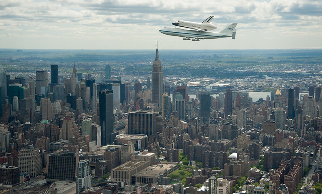 Shuttle Enterprise Flight to New York (201204270024HQ)