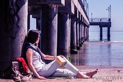 Lorena (Marco Nanni) Tags: sea portrait italy sun girl sunglasses marina bay italia mare sole ritratto spiaggia abruzzo ragazza pontile vasto occhialidasole