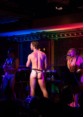 IMG_2454 (Cherie B. Tay) Tags: nyc concert ukulele 54below theskivvies
