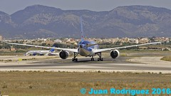 G-TUIA - Thomson Airways - Boeing 787-8 Dreamliner (Juan Rodriguez - PMI/LEPA) Tags: plane airplane nikon aircraft sigma boeing mallorca palma aeropuerto 80400mm b787 d90 sonsanjuan sonsantjoan thomsonairways gtuia pmilepa