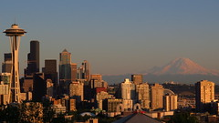 Seattle skyline at dusk : Kerry Park, Queen Anne, Seattle (gateway10027) Tags: seattle skyline afternoon view dusk bluesky snowcapped mountrainier rainier kerrypark seatac lateafternoon downtownseattle seattleskyline seattlewa scenicview snowpeak kerryparkseattle queenanneneighborhood