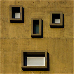 #21/52 : Rennes - Broken Face (Herv Marchand) Tags: building face mouth eyes details bretagne minimalist rennes immeuble urbain noze courrouze 52weeksthe2016edition week212016 weekstartingfridaymay202016