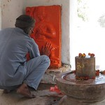"Painting an Idol <a style=""margin-left:10px; font-size:0.8em;"" href=""http://www.flickr.com/photos/14315427@N00/6776462960/"" target=""_blank"">@flickr</a>"