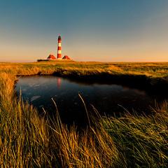 Westerhever Leuchtturm (sebileiste) Tags: autumn sea lighthouse herbst north teich beacon nordsee friesland nord leuchtturm westerhever