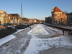 Ice fun in town! (Wilma1962*) Tags: winter ice boats canal boten icerink ijsbaan zwolle gracht ijs mygearandme mygearandmepremium mygearandmebronze mygearandmesilver mygearandmegold mygearandmeplatinum mygearandmediamond thorbeckesingel