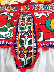 juquila wedding (Elizabeth Palmer / Mexico Hecho A Mano) Tags: wedding bag clothing dress stitch embroidery top style frida jewelry blouse mexican bags embroidered kahlo huichol cothing cros juquila chaquira aidacoronado