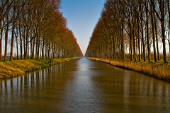 Canal Damme (Roland B43) Tags: canals waterways damme mygearandme mygearandmepremium mygearandmebronze mygearandmesilver mygearandmegold mygearandmeplatinum mygearandmediamond rememberthatmomentlevel4 rememberthatmomentlevel1 rememberthatmomentlevel2 rememberthatmomentlevel3 rememberthatmomentlevel5