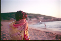 .clau. (andrenzo) Tags: sea hot love film beach girl gold tramonto mare kodak grain olympus spiaggia om2 ragazza caldo pellicola om2n summersunset