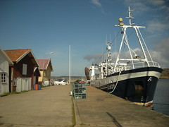 Grundsund (simo2582) Tags: county trip panorama travelling port landscape island coast harbor boat fishing fisherman reisen europe sailing view sweden harbour insel sverige scandinavia blick scandinavian reise bohusln lysekil svezia bohuslan grundsund vstra skaft gtaland