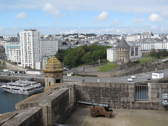 BREST - A View from the Castle (Andra MB) Tags: summer holiday france castle vacances frankreich brittany sommer bretagne breizh brest chateau schloss fortress kale castel franta festung finistere fransa vara 2011 vacanta bretania pennarbed bretanya franţa