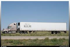"""Freightliner Cascadia """"KLLM"""" (uslovig) Tags: usa truck highway texas tx unitedstatesofamerica lorry camion interstate trailer 53 carrier reefer refrigerated cascadia lastwagen lkw freightliner vereinigtestaatenvonamerika 23228 kllm"""