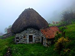 La Montaña (Jesus_l) Tags: españa parquesnacionales europa asturias oviedo montaña somiedo parquenaturaldesomiedo jesusl