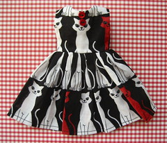 Kitty Cats Party Dress for Blythe (siouxsiette) Tags: cats clothing doll dress handmade kitty kittens blythe etsy mouseinablouse