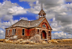 Govan School-This school house was built in 1906 and closed in 1942. (Walk in the Woods Photography) Tags: school govan govanschool