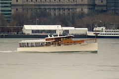 Manhattan (MJ_100) Tags: city nyc usa newyork america river boat us state yacht manhattan vessel hudsonriver hudson motoryacht