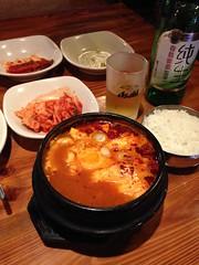 Tofu Jjiae @Qiannian, Gubei, Shanghai (Phreddie) Tags: china food hot beer dinner restaurant shanghai tofu pot korean tang gubei doufu jjiae qiannian