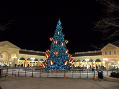 SAM_0025 (clubsummerlands) Tags: park christmas new york usa holiday tree architecture shopping lights deer decor tanger outlets