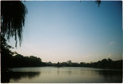 000059 (nhunhien) Tags: friends sunset summer lake sunshine hanoi h hoan kiem h ma hon nng kim hanoiwandering