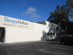 Sleepy Hollow Bedding (RS 1990) Tags: bedroom adelaide southaustralia holden valleyview bedding sleepyhollow modbury teatreegully kellyroad joneslanglasalle northeastroad