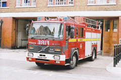 P859 YEP (markkirk85) Tags: london station fire volvo engine pump burning ladder appliance londons saxon brigade yep dockhead sanbec fl614 p859 p859yep