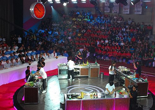 The Final Four kiddie cooks Philip, Mika, Kyle, and Jobim at the Junior MasterChef Pinoy Edition The Live Cook-off (2)