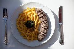 handmade food (dive-angel (Karin)) Tags: food fun restaurant schweiz switzerland suisse suiza handmade pommes lowcarb bratwurst sunnegga 70200mm lowfat wolle malanders loweverything eos5dmarkii highwool