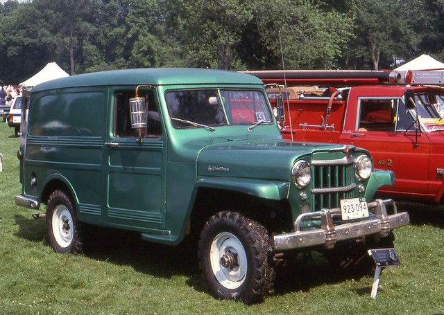 eyesonclassicdesign1996 1963kaiserjeeppaneltruck4x4 ©richardspiegelmancarphoto