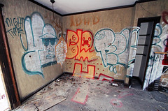 (Into Space!) Tags: ny newyork abandoned faro graffiti li decay longisland abandon mansion graff ya royce rundown bloke fg adhd urbex yaco intospace