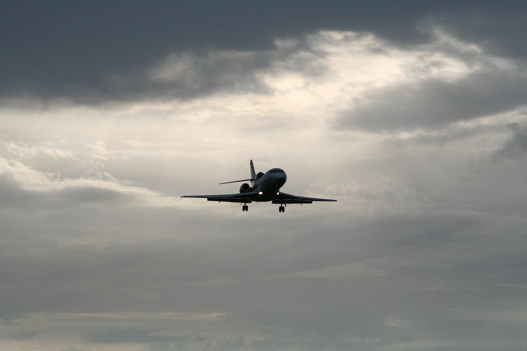Falcon 900 Landing